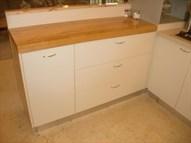 שדרוג מטבח - הוספת יחידת אחסון עם משטח בוצ'ר