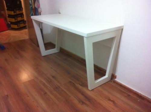 שולחן כתיבה נחמן